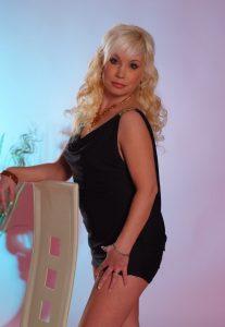 Элитная индивидуалка Оксана - возраст 25, рост 169, вес
