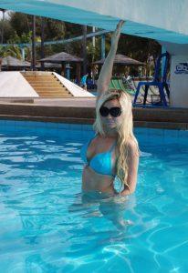 Выездная шлюха Аня - возраст 25, рост 173, вес