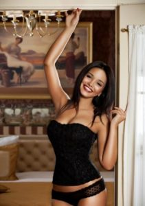 Зрелая проститутка Вика - возраст 25, рост 170, вес