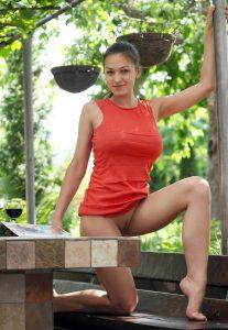 Зрелая индивидуалка Таня - возраст 27, рост 169, вес