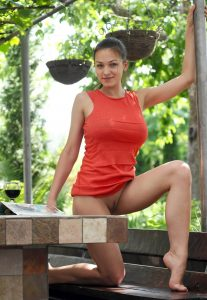 Зрелая шлюха Таня - возраст 27, рост 169, вес