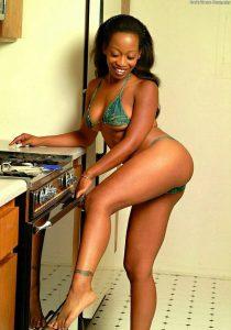 Зрелая проститутка Мими - возраст 21, рост 170, вес