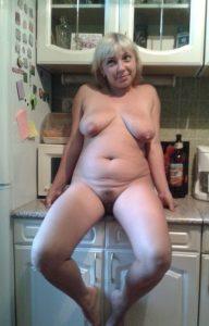 Зрелая путана Оксана - возраст 34, рост 167, вес
