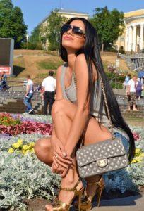 Зрелая проститутка Вика - возраст 24, рост 175, вес