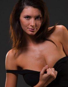 Зрелая проститутка Валерия - возраст 28, рост 168, вес