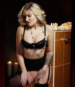 Выездная проститутка Регина - возраст 29, рост 172, вес