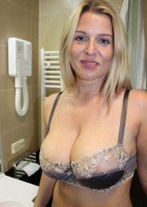 Зрелая путана Лера - возраст 31, рост 170, вес