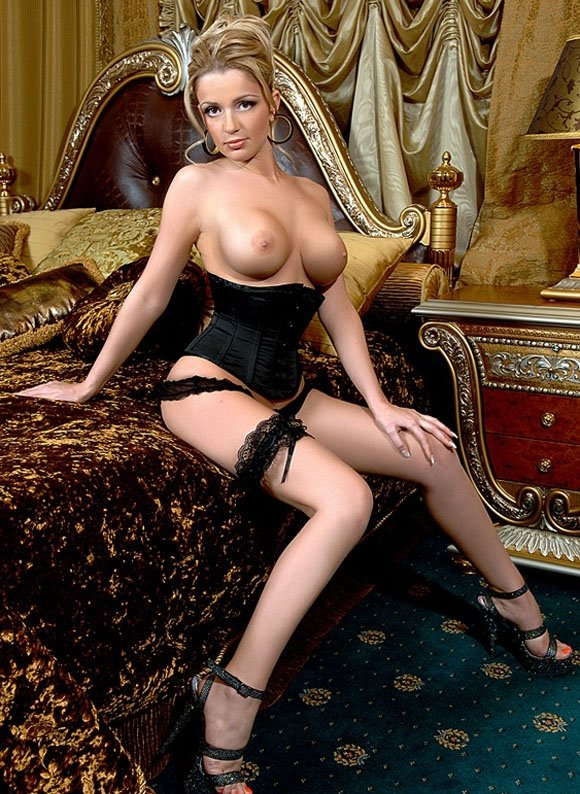Фотографиями элитные с проститутки москвы